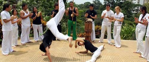 La fuerza, elasticidad y arte del Capoeria