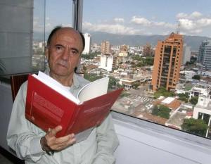 Gustavo Pinzón, miembro de la Academia de Historia de Santander.