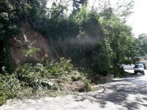 Peligro de derrumbe en La Floresta