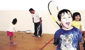 Niños Jugando Squash