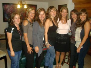 Rosmira de Navas, Gloria de Villamizar, Nancy Páez, Gloria Arias, Esmeralda Rueda, Edilia Pimentel y Gladys Arias.