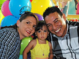 Carolina García, Angie Valentina Furnieles García y Gustavo Furnieles.