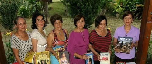 Tertulia literaria recibe premio nacional