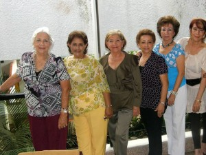 Cidy de Osorio, Mery de Peña, Rosita de Jiménez, Cecilia de Salcedo, Elda Ortega de Mercado, Gloria Rolón y Vivian de Niño.