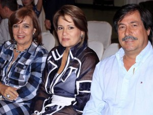 Amparo Africano, Marcela Pérez y Francisco Gómez.