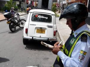 Agentes de tránsito hacen operativos viales por esta zona de la 51.