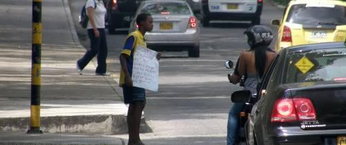 Más mendigos en la calle
