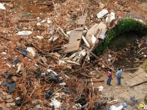 A las 9:02 a. m. solo escombros quedaron de la Casa de La Vega. (Foto suministrada por: Pastor Virviescas)