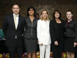 Alejandro Serrano, representante de Atenea ID; María Téllez, directora de Colempresarias; Martha Vásquez, presidenta Colempresarias; Rochelle Beck, mentora Caminos hacia la Prosperidad, y Emily Harter.