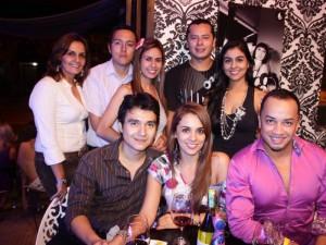 Pedro Cadena, Diana Sandoval, John Alonzo, Carolina Sarmiento, Cristian Villamizar, Ángela Suarez, Edwin Abril y Yurani Sandoval.
