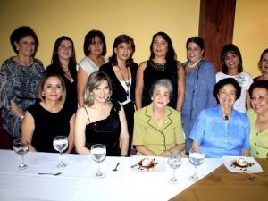 Claudia Gómez,Mireya Gómez de Silva, Angelita Toledo, Josefina López, Martha de Vargas, Carolina Reyes, Gloria Montaño, Janet de Gómez, Claudia Castillo y Miriam Ballesteros.