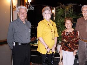 Mario Hazbón, Mercedes de Hazbón, Teresita de Cáceres, Otto Barrera y  Wilson Cáceres.