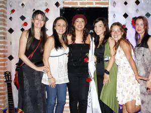 Adriana Reyes, Ximena Bernal, Titi Juliana Bernal, Lina Olivares, Diana Ciliveppi y Paola Corelli.