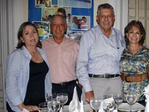 Lucero de Dorado, Eduardo Dorado, Carlos Cajigas y Matilde de Cajigas.