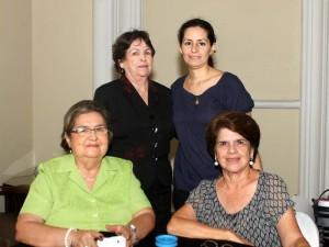 Frady de Ardila, Martha de Ulloa, Idalia de Rodríguez y Catalina Rodríguez.