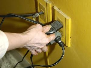 Hacer revisión periódica de la instalación eléctrica de la casa
