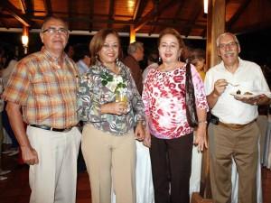 Jesús Ramírez Martha Prada, Dora de Ramírez y Alberto Duque.