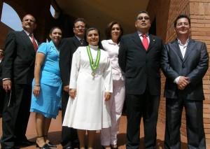 Leonidas Barrera, Gloria Valencia, Jaime Arenas, rectora Hermana Yanira Carrillo, Martha Camacho, Carlos Humberto Pérez y Julián Lizarazo.