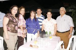 Adelaida Mantilla, María Lozano, Esperanza Ordóñez, Adonai Espinazo, Nelly de Barajas y Arjemiro Bernali.