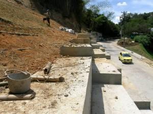 Un ciudadano cuestiona el mantenimiento que se le ha hecho a la vía a Pan de Azúcar y otro defiende la labor de la CDMB.