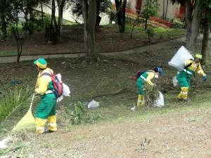 La poda del pasto fue la principal labor en la jornada de aseo.