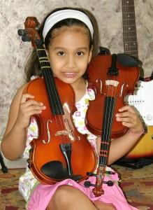 El violín y la guitarra son los amigos inseparables de Valentina Galán Sanabria.
