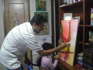 Valentina Galán Sanabria compartiendo tiempo y aprendiendo con su padre.