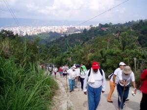 Invita  la organización Caminos Reales de Colombia.
