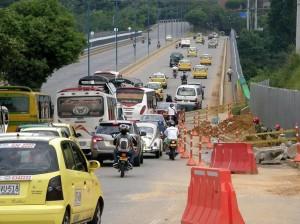 Cambios viales en el viaducto La Flora por las obras del Intercambiador de Neomundo.