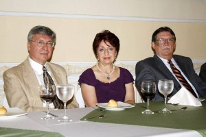 Armando Martínez, María Victoria Gómez y Libardo León.