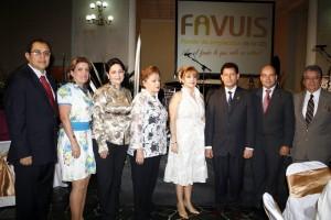 Carlos Chaparro, Carmenza Salamanca, Martha Estévez, Piedad Rincón, Ángela Camargo, Jaime Alberto Camacho, Sergio Isnardo Muñoz y Carlos Torres.