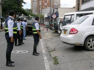 Operativos para controlar estacionamiento de vehículos.