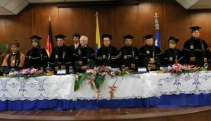Condecoración al investigador Manuel Elkin Pata-rroyo