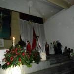 La representación de Jesús en la Cruz, acompañado de unos apóstoles y María, su madre