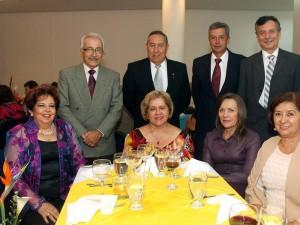 Carmenza Puyana y otros.