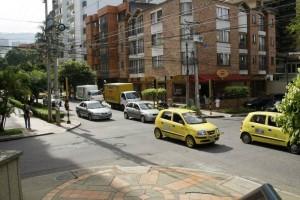 En este sector de la calle 45 con 25 el ruido de los pitos es una constante.