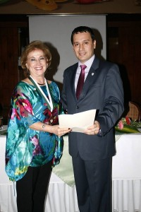 Lilia Amanda de Patiño y Mario Alberto López.