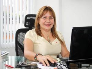 Esperanza Rueda, especializada en España, es la gente de la entidad que presta un servicio gratuito a la comunidad.