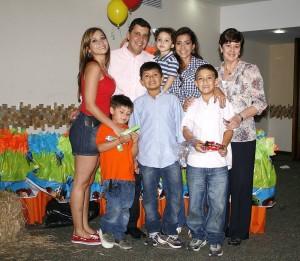 Felipe Andrés Mutis Laiton y otros