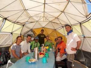 Refectorio en el Campo Base a 4.300 m, en el Aconcagua.