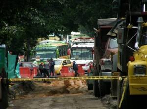 Las excavaciones en la carrera 33 continúan