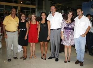 César Oyaga, María José Oróstegui, Irma Barrera, Martha Sofía Linero, Carlos Fernando Sánchez, Ana María García y Carlos Augusto Espinoza.