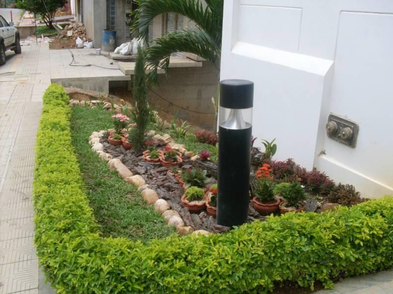 Vecinos arreglan jard n del sector bucaramanga gente for Bioshock jardin de las recolectoras