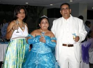 Yolanda Rojas Ramírez, Daniela Carolina Blanco Rojas y Rogerio Blanco.
