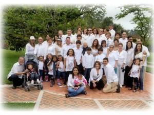 Hipólito Moreno Esperanza Rodríguez de Moreno, hijos, nietos y demás familiares.