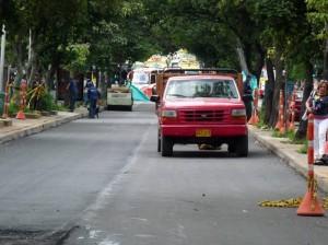 Para este fin de semana se prevé terminar la instalación del pavimento en el carril occiden-tal.