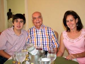 Camilo Morales, Norberto Morales y Gladis de Morales.
