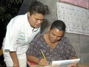 Los clubes rotarios trabajan también para acabar con el analfabetismo.