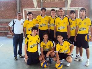 Los muchachos del equipo de voleibol masculino.