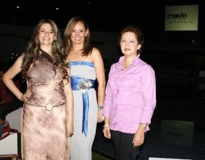 Diana Reyes, Mónica Rojas y Marleny Roa.